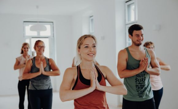 Charity Yoga all night long – Lange Nacht des Yoga am 18. Dezember 2020