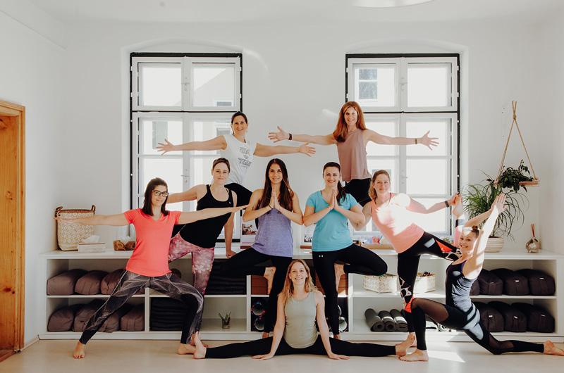 Yogatrainerinnen im Superactive Yoga und Fitnessstudio in Klagenfurt